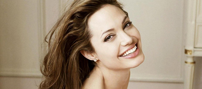 Angelina-Jolie-va-nhung-su-thay-doi